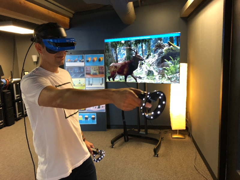 Hinge VR featured at Laundry Service PAF Happy Hour